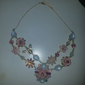 Jewelry - Floral bee and jewel necklace